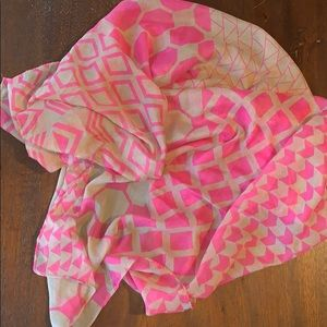 Lilly Pulitzer Palm Avenue geometric scarf